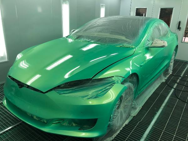 Tesla Model S - PRO Gloss finish. Zombie Green colour.